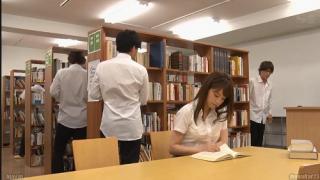 Hiếp dâm em gái trong thư viện