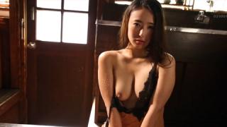 Cô nàng Matsuoka Suzu vú to