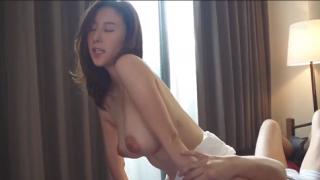 Nữ y tá Saeko Matsushita xinh đẹp